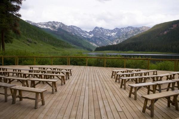 décoration cérémonie laïque à la montagne
