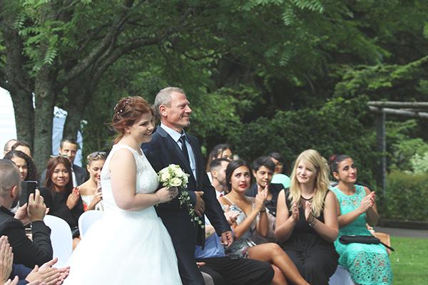 cérémonie laïque entrée mariée