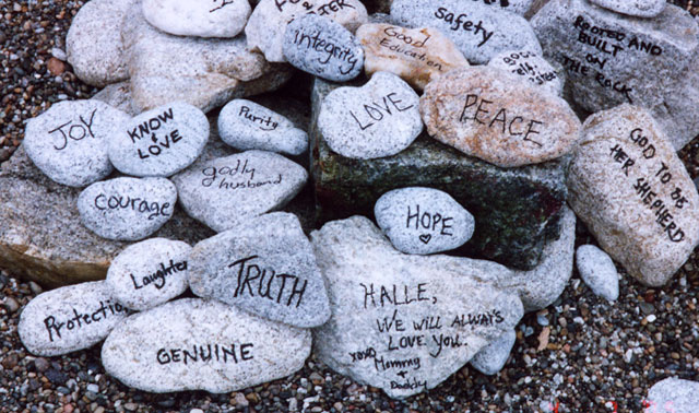 rituels de cérémonie laïque: les pierres
