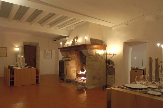 Salle médiévale du Château Le Rosey à Bursins
