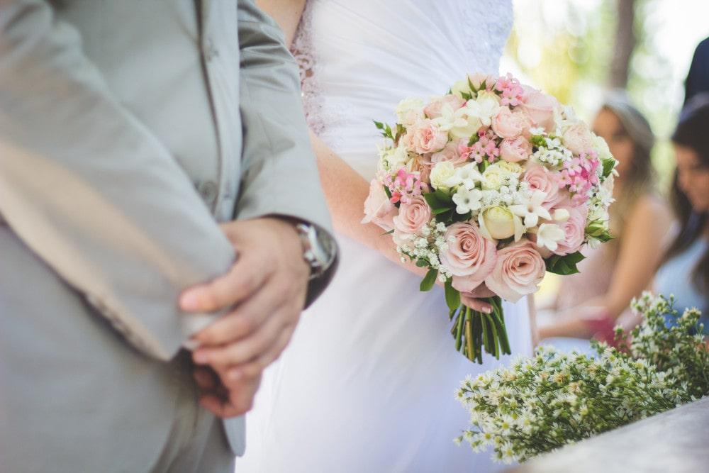 Officiant de mariage laïque