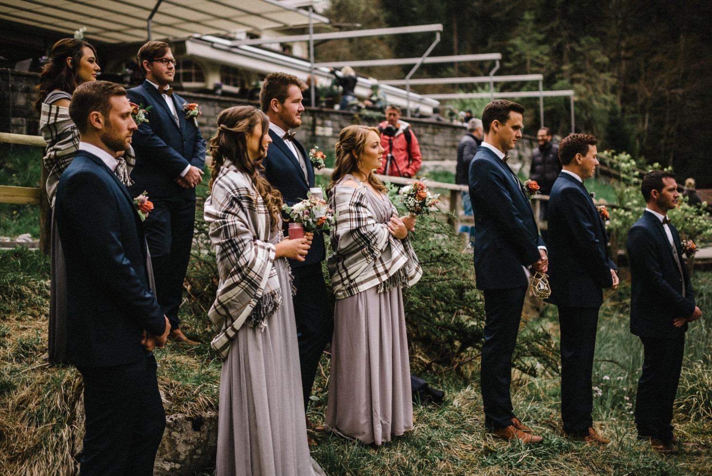 Un mariage intime à Blausee, les témoins attentifs