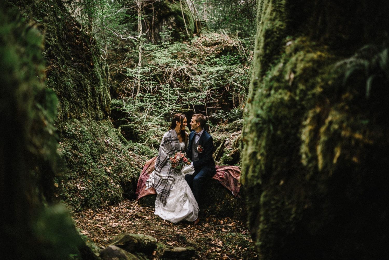 Un mariage à Blausee, dans la forêt