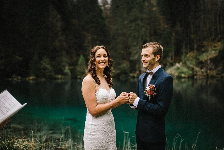 Une cérémonie de mariage à Blausee
