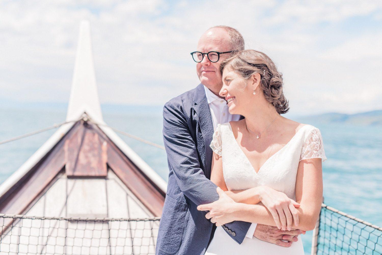 Cérémonie de mariage sur un bateau