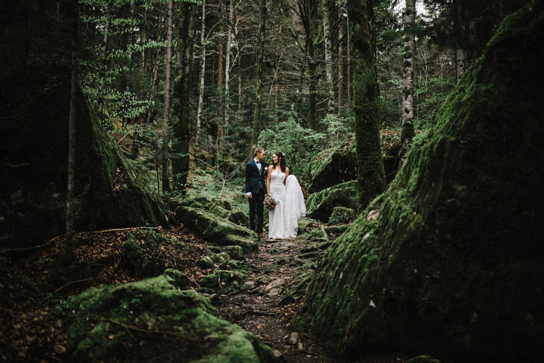 Un elopement en Suisse, dans la forêt