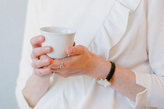 offrir le thé
