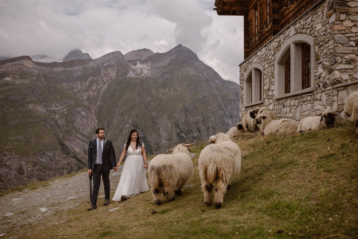 Couple getting married in the Swiss mountains